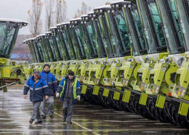 Claas produziert Mähdrescher für Export