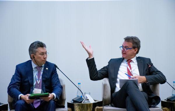 Бахыт Султанов, Министр торговли и интеграции Республики Казахстан Маттиас Шепп, председатель правления Российско-Германской ВТП